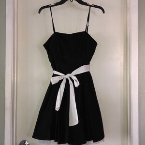 Black/White Dress with Bow, Size 9/10
